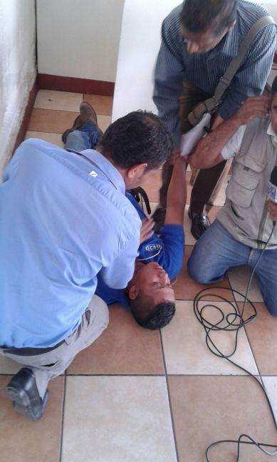 Policía desaloja a estudiantes y lanza bombas lacrimógenas en la UNAH34