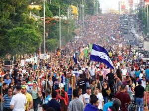 Las marchas de las antorchas siguen exigiendo la instalación de la CICIH