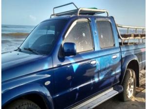 El vehículo donde se trasladaban los garífunas quedo lleno de perforaciones de las balas militares