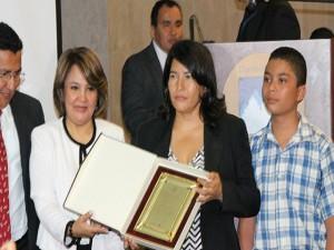 En el 2012 la esposa de Dionisio Díaz recibio un homenaje de parte del gobierno de Porfirio Lobo Sosa