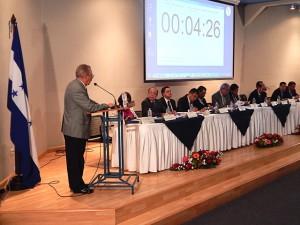 Manuel Enrique Alvarado Casco, mientras participa en las audiencias públicas de este miércoles.