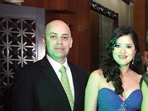 El fiscal general Oscar Chinchilla junto a su esposa la directora del BCH Catherine Chang