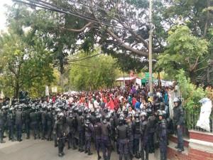 El actual mandatario ha militarizado la sociedad hondureña y la seguridad publica