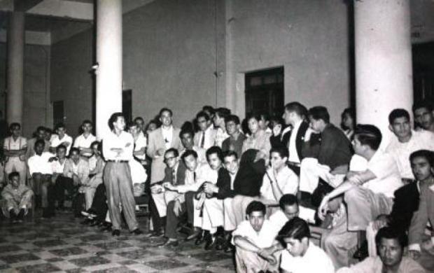 Huelga de estudiantes en 1957.
