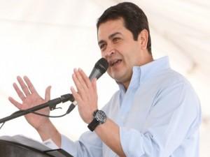 """La figura del presinddente, Juan Hernández, es la pieza clave en la que se escuda la directiva del IPP para evitar una auditoría, pues aseguran que el mandatario le quiere """"caer"""" a los fondos."""